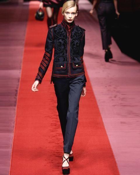 Jacket, Flooring, Textile, Red, Outerwear, Style, Carpet, Fashion model, Street fashion, Fashion,