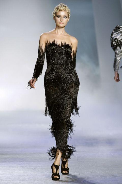 Human body, Shoulder, Dress, Fashion show, Joint, Waist, Style, Fashion model, Fashion, Neck,