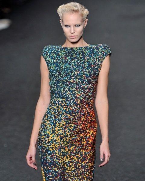 Clothing, Ear, Shoulder, Dress, One-piece garment, Style, Fashion model, Fashion show, Day dress, Fashion,