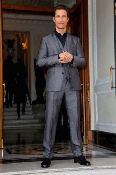 Dress shirt, Trousers, Collar, Suit trousers, Shirt, Standing, Coat, Outerwear, Formal wear, Pocket,