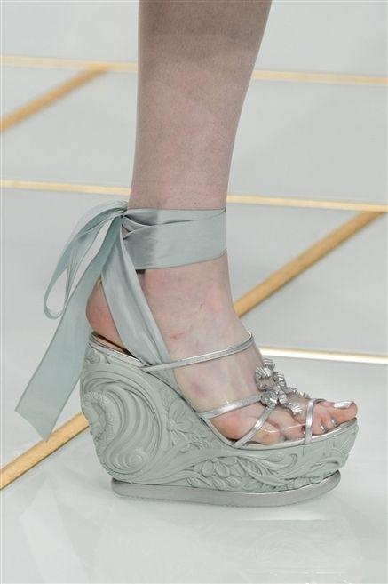 Human leg, Joint, Sandal, High heels, Foot, Fashion, Tan, Beige, Toe, Bridal shoe,