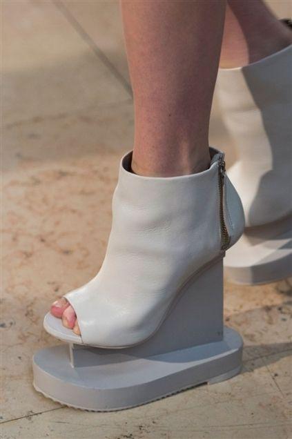 Human leg, Joint, Pink, Fashion, Foot, Beige, Tan, Ankle, High heels, Peach,