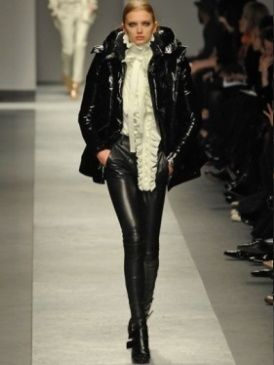 Clothing, Brown, Textile, Joint, Outerwear, Fashion show, Jacket, Style, Fashion model, Runway,