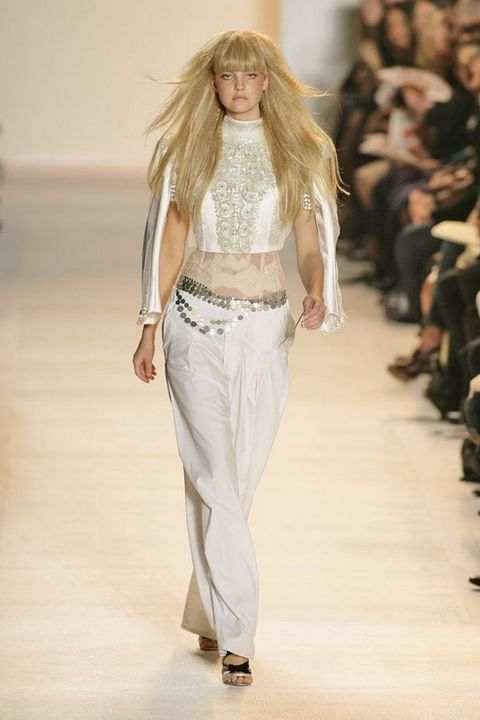 Brown, Fashion show, Shoulder, Joint, Runway, Outerwear, Waist, Fashion model, Style, Fashion,