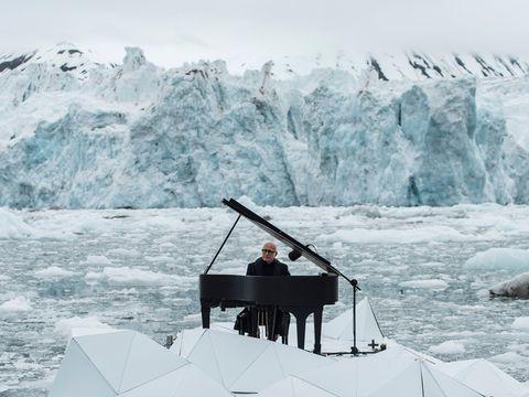 Winter, Ice, Glacial landform, Freezing, Ice cap, Snow, Mountain range, Glacier, Polar ice cap, Sea ice,
