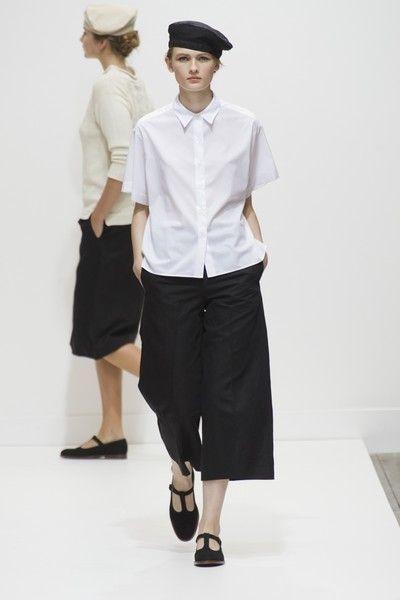 Clothing, Sleeve, Collar, White, Style, Uniform, Dress shirt, Waist, Fashion, Monochrome photography,