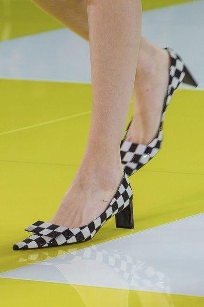 Yellow, Human leg, Toe, Joint, Fashion, Foot, Nail, Sandal, Calf, Ankle,