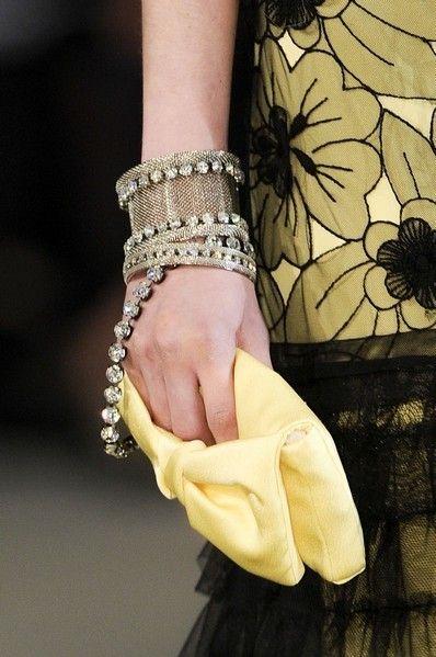Finger, Wrist, Joint, Style, Fashion, Nail, Pattern, Beige, Body jewelry, Fashion design,