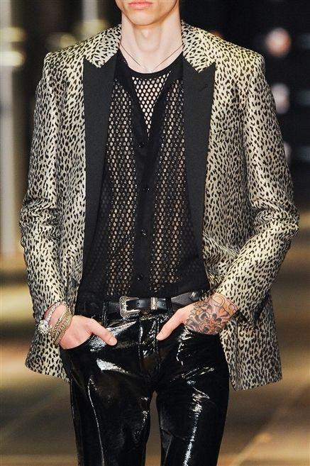 Clothing, Sleeve, Collar, Textile, Style, Pattern, Street fashion, Blazer, Fashion, Fashion model,