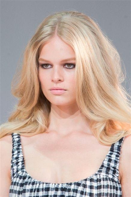 Clothing, Hair, Lip, Hairstyle, Skin, Chin, Shoulder, Eyebrow, Eyelash, Joint,