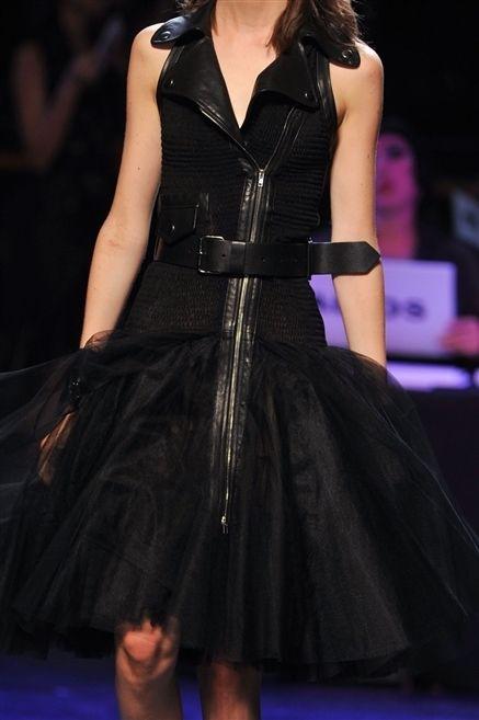 Dress, Formal wear, Fashion model, Fashion, One-piece garment, Day dress, Cocktail dress, Little black dress, Carpet, Fashion design,