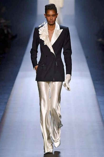 Clothing, Fashion show, Sleeve, Shoulder, Joint, Runway, Outerwear, Fashion model, Collar, Style,