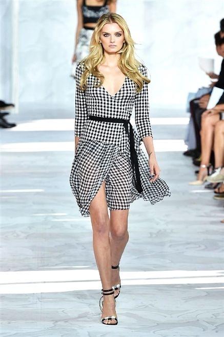 Clothing, Leg, Human leg, Shoulder, Fashion show, Joint, Outerwear, Fashion model, Dress, Runway,