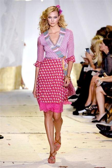 Clothing, Footwear, Leg, Fashion show, Outerwear, Dress, Pink, Style, Fashion model, Magenta,