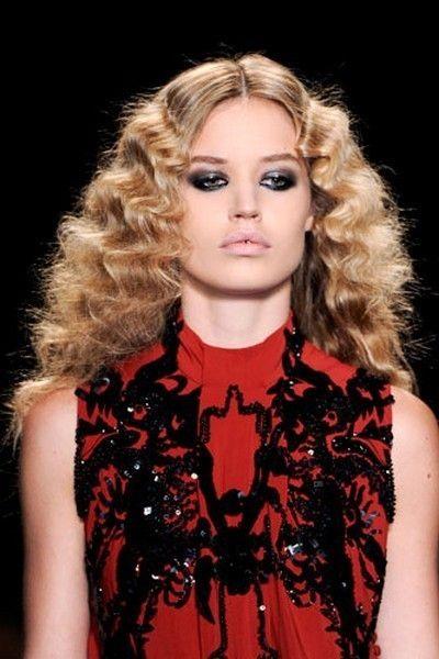 Nose, Lip, Mouth, Hairstyle, Chin, Fashion model, Style, Eyelash, Blond, Beauty,