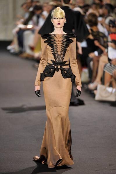 Human, Fashion show, Shoulder, Joint, Outerwear, Runway, Fashion model, Style, Fashion, Street fashion,