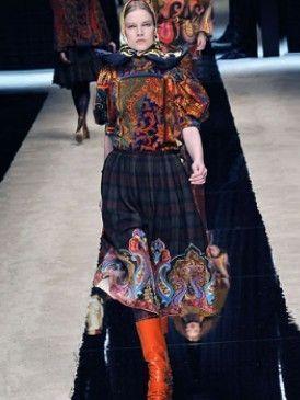 Textile, Style, Pattern, Fashion, Black, Street fashion, Fur, Day dress, Vintage clothing, Tartan,