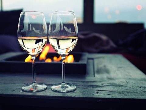 Drinkware, Fluid, Glass, Stemware, Liquid, Wine glass, Barware, Dessert wine, Drink, Tableware,