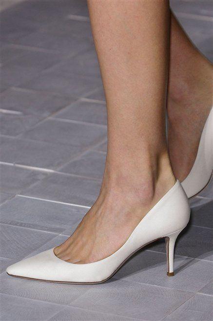 Footwear, Human leg, High heels, Joint, Basic pump, Fashion, Tan, Foot, Grey, Court shoe,