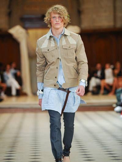 Brown, Outerwear, Jacket, Denim, Style, Street fashion, Bag, Fashion, Knee, Fashion show,