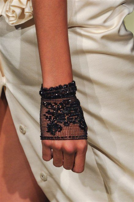 Finger, Wrist, Hand, Joint, Nail, Style, Pattern, Fashion, Beige, Body jewelry,