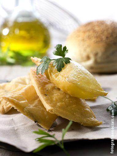 Yellow, Food, Cuisine, Ingredient, Liquid, Drink, Dish, Oil, Jewellery, Garnish,