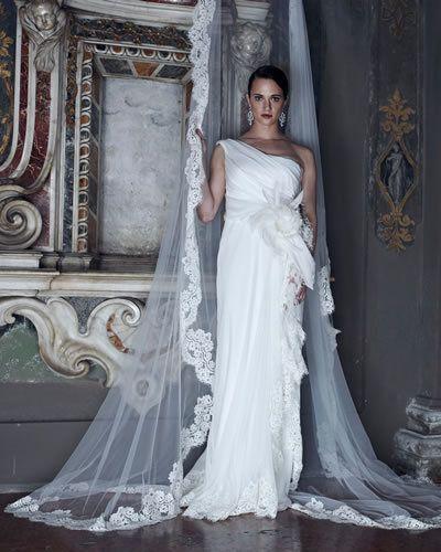 hot sale online 8d103 315a7 Alberta Ferretti ha presentato la sua terza collezione di ...