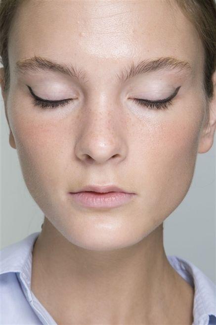 Lip, Cheek, Skin, Chin, Forehead, Eyebrow, Eyelash, Joint, Jaw, Organ,