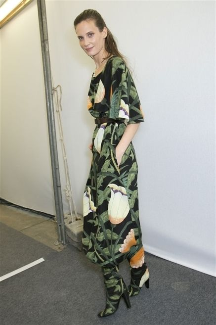 Camouflage, Military camouflage, Sleeve, Joint, Shoe, Pattern, Cargo pants, Boot, High heels, Fashion design,