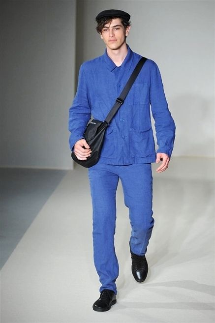 Clothing, Blue, Sleeve, Trousers, Shoulder, Collar, Textile, Standing, Joint, Shoe,