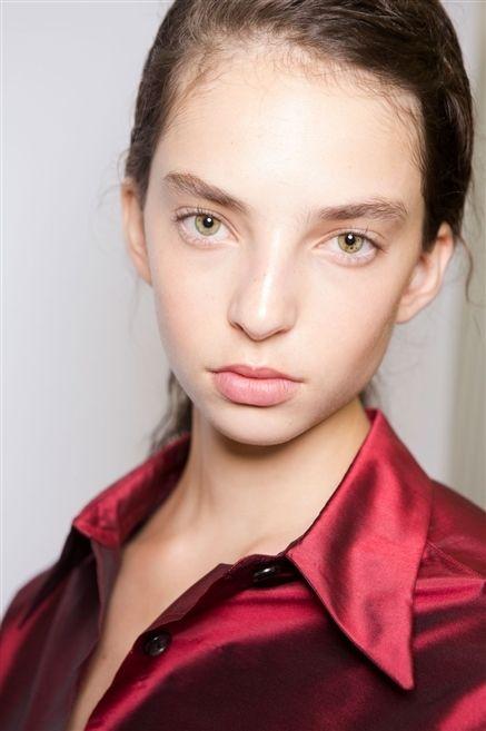 Hair, Lip, Cheek, Hairstyle, Collar, Skin, Chin, Forehead, Eyebrow, Eyelash,