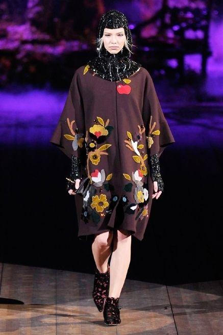 Sfilata Dolce   Gabbana - Autunno-Inverno 2014-2015 - Milano 83f24317ee7