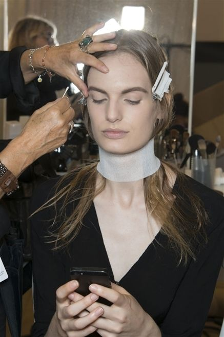 Finger, Hand, Eyelash, Wrist, Fashion accessory, Beauty salon, Nail, Personal grooming, Makeover, Earrings,