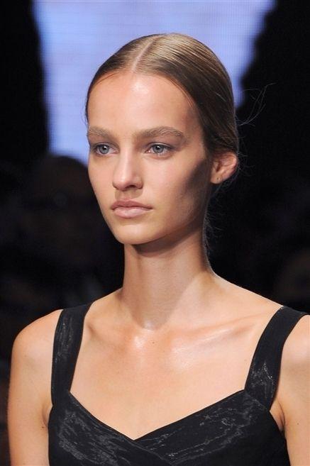 Clothing, Lip, Hairstyle, Shoulder, Eyebrow, Eyelash, Style, Beauty, Fashion, Neck,
