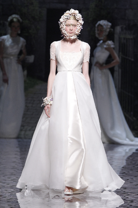Clothing, Sleeve, Dress, Shoulder, Bridal clothing, Textile, Photograph, Gown, White, Formal wear,