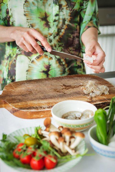 Human, Finger, Food, Hand, Tableware, Vegetable, Produce, Ingredient, Adaptation, Bowl,