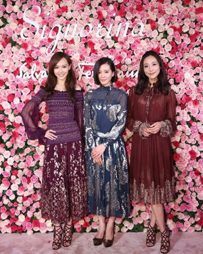 People, Petal, Red, Textile, Pattern, Pink, Dress, Magenta, Fashion, Maroon,