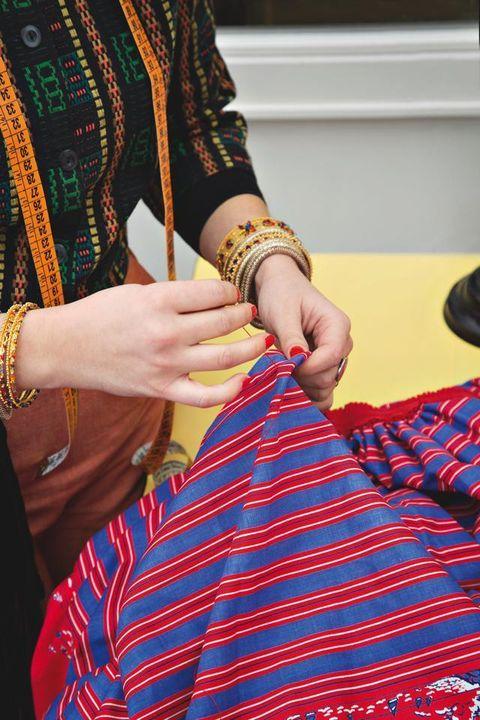 Finger, Wrist, Pattern, Hand, Fashion accessory, Nail, Style, Fashion, Bangle, Jewellery,
