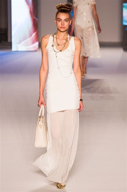 Human body, Shoulder, Fashion show, Textile, Joint, Fashion model, Style, Fashion accessory, Waist, Fashion,