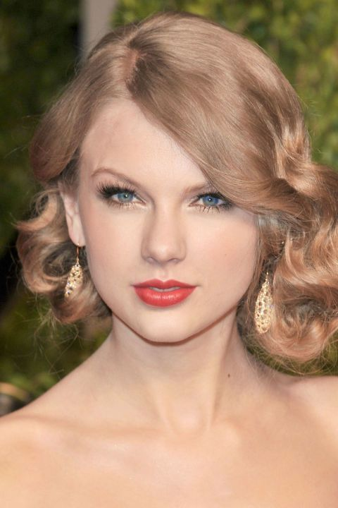Head, Lip, Cheek, Mouth, Hairstyle, Skin, Chin, Forehead, Eyebrow, Eyelash,