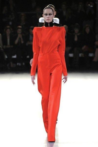 Fashion show, Runway, Fashion model, Winter, Fashion, Waist, Model, Fashion design, Costume design, Haute couture,