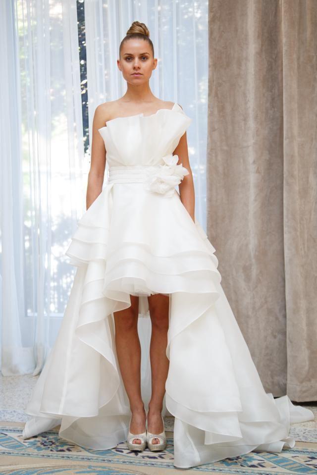 10 abiti da sposa asimmetrici abf378c9c72