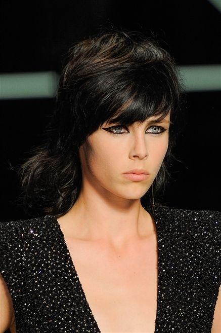 Lip, Hairstyle, Chin, Forehead, Style, Bangs, Black hair, Eyelash, Neck, Step cutting,
