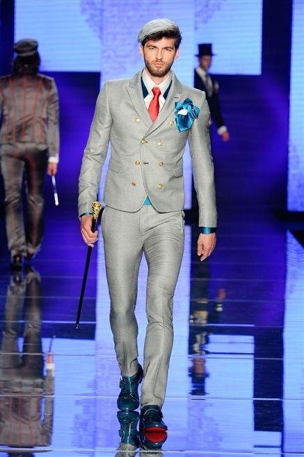 Leg, Trousers, Fashion show, Runway, Outerwear, Coat, Style, Fashion model, Formal wear, Blazer,