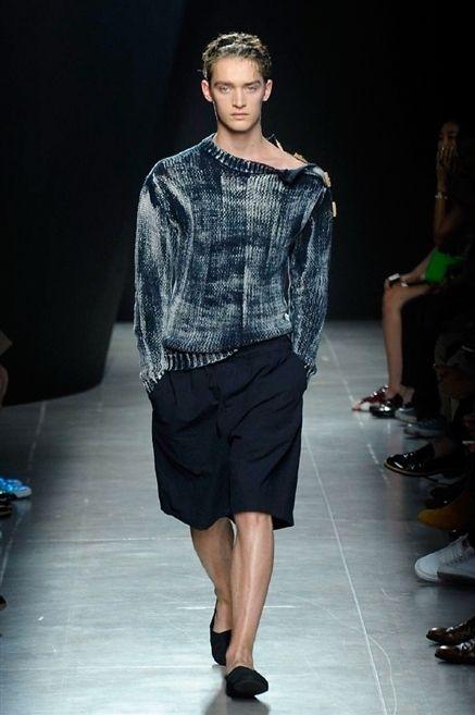 Clothing, Shoulder, Fashion show, Human leg, Joint, Outerwear, Runway, Style, Fashion model, Fashion,