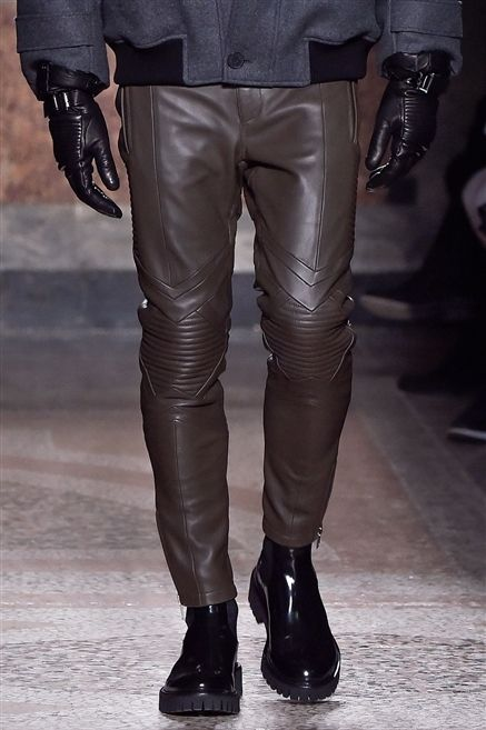 Clothing, Leg, Brown, Textile, Joint, Human leg, Leather, Fashion, Black, Thigh,