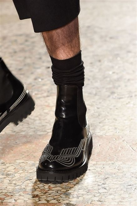Human leg, Style, Fashion, Costume accessory, Street fashion, Leather, Boot, Ankle, Sock,