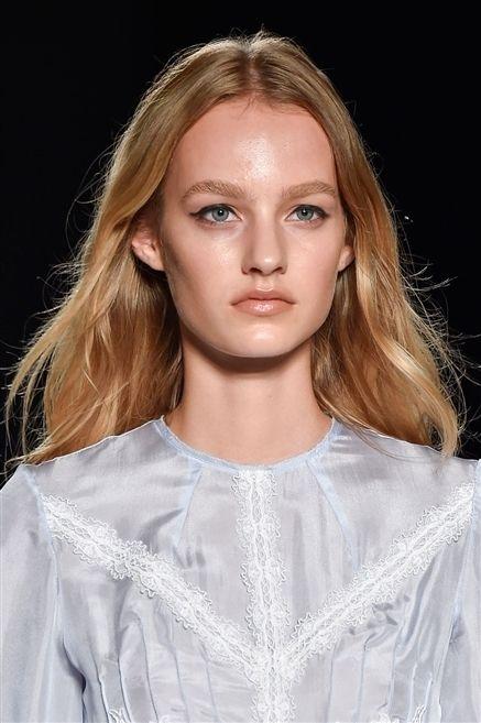 Lip, Hairstyle, Eyebrow, Eyelash, Style, Jaw, Beauty, Blond, Fashion, Fashion model,