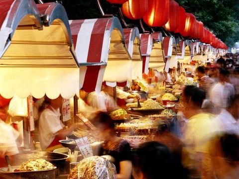 Public space, Lantern, Retail, Bazaar, Marketplace, Market, Temple, Trade, Human settlement, Selling,