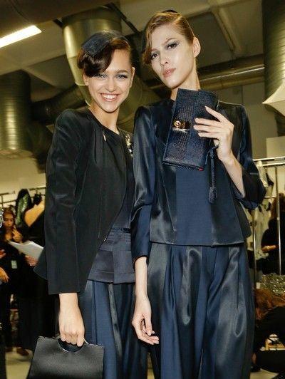 Textile, Outerwear, Style, Fashion, Fashion model, Bag, Fashion design, Waist, Haute couture, Makeover,